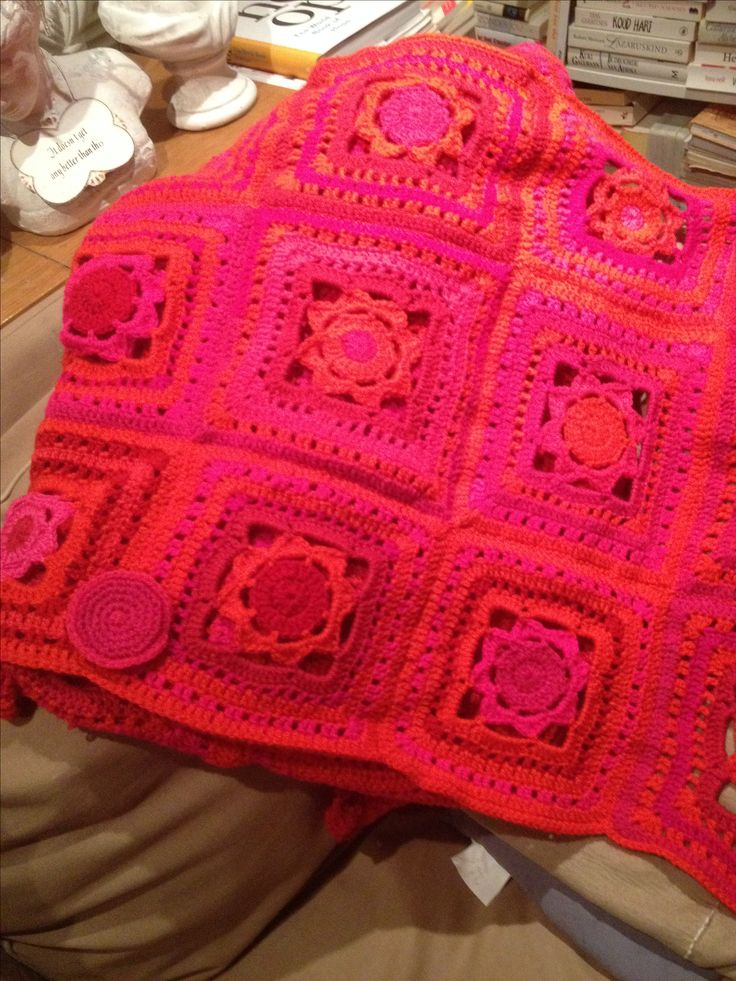 Poncho in pink/red with handmade big button to close