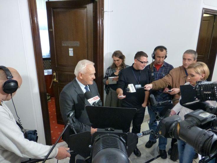 Miller: Dialog między związkami a rządem możliwy w Sejmie