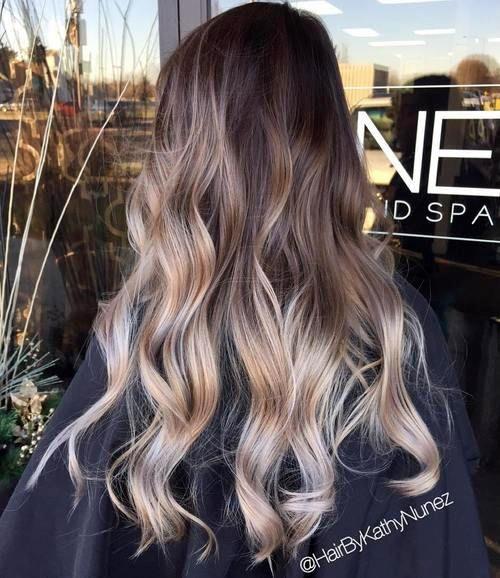 L'ombré argenté/ultra-cendré, qui donne un look métallique aux cheveux - 10 tendances mode et beauté à surveiller en 2017