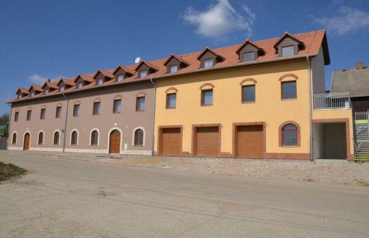Hotel Růženy - Hustopeče http://www.agrofrukt.cz/ubytovani/ Hotel 2*