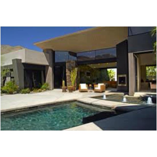 Spotlight On Palm Springs Style Outdoor Areas