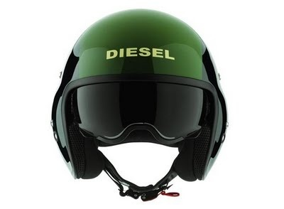 If two marks of big prestige join as it is a Diesel and Agv usually appears a big product, since it is the case of this helmet that well makes resemble the helmets of the pilots of planes or helicopters of combáte.