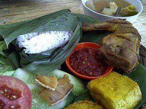 terkini Makan Siang di Nasi Timbel si Teteh, Ajib!