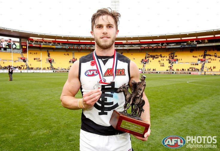 Round 4 - Marc Murphy of the Blues is awarded the Anzac medal