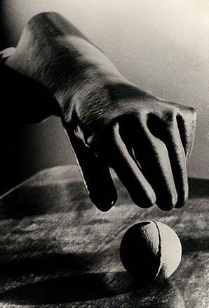 Lygia Clark/Sensorial Gloves, 1968