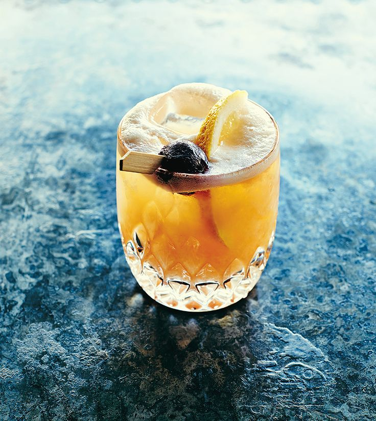 The drink even people who don't like whiskey will love. The frozen ones require minimal effort, for maximum effect — mix, pour, and drink. For a slightly less dramatic result, use frozen whiskey sour version two.