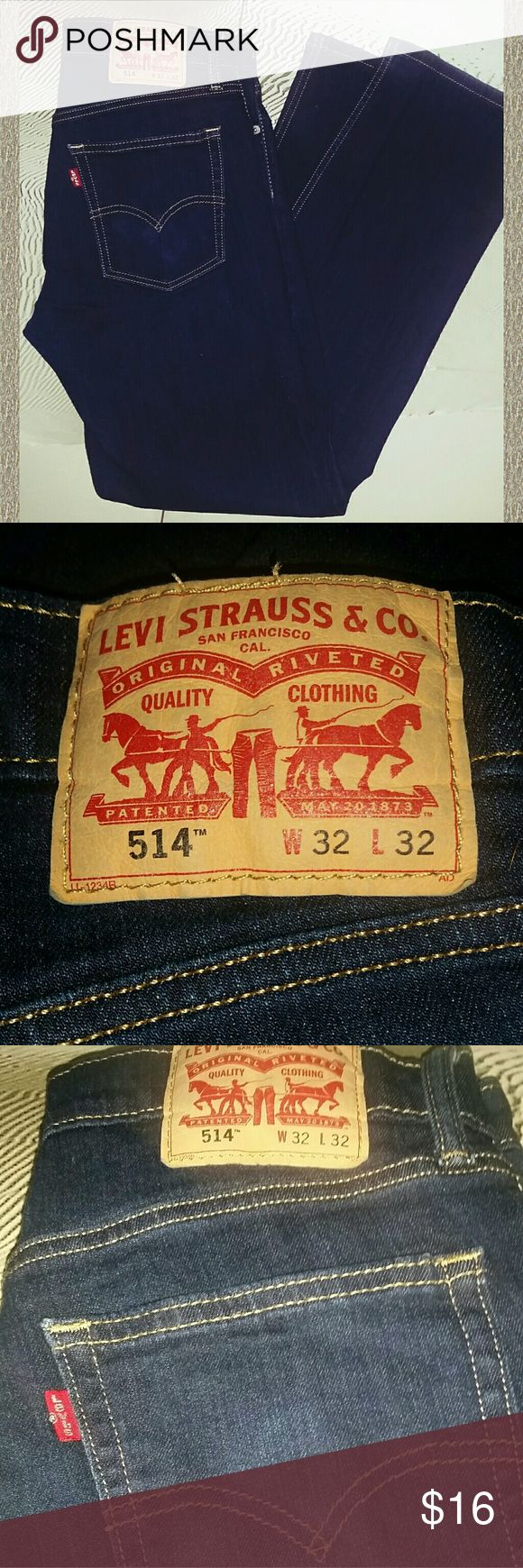 👖Men's LIKE NEW Levi's Jeans 514 Rarely worn, dark denim Levi's 514 in size 32×32. Crisp, clean Levi's tag, no signs of wear. Levi's Jeans Straight