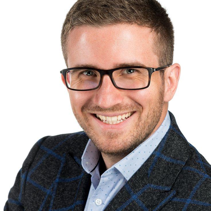 George Purușniuc - Entrepreneur - headshot, business portrait