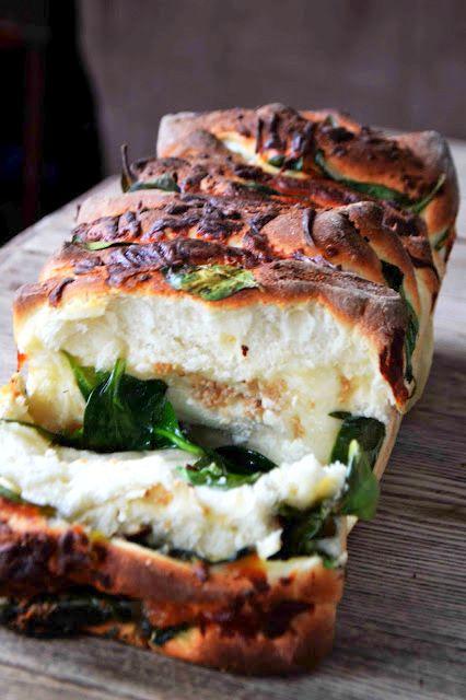 Spinach Feta Pull-Apart Garlic Bread.