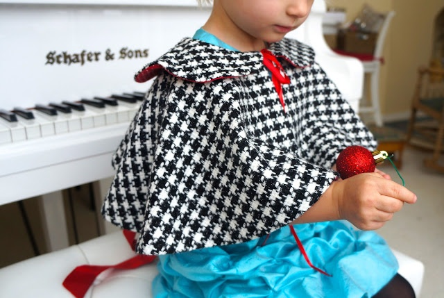 Tutorial and Pattern for little girl's cape.{Caila-Made: A Christmas Cape!}