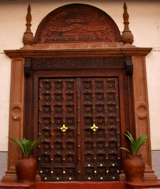 Indian door with ethnic for Traditional main door design