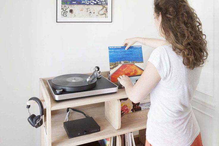 L'acétate c'est addictif, lorsque l'on se lance dans une collection de disques, on sait quand ça commence, mais on ne sait jamais quand ça va s'arrêter. Que vous ayez une dizaine de vinyles ou une collection de plusieurs milliers de disques, voici une sélection d'idées déco pour ranger vos précieuses galettes noires.