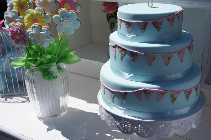 3 tier bunting cake
