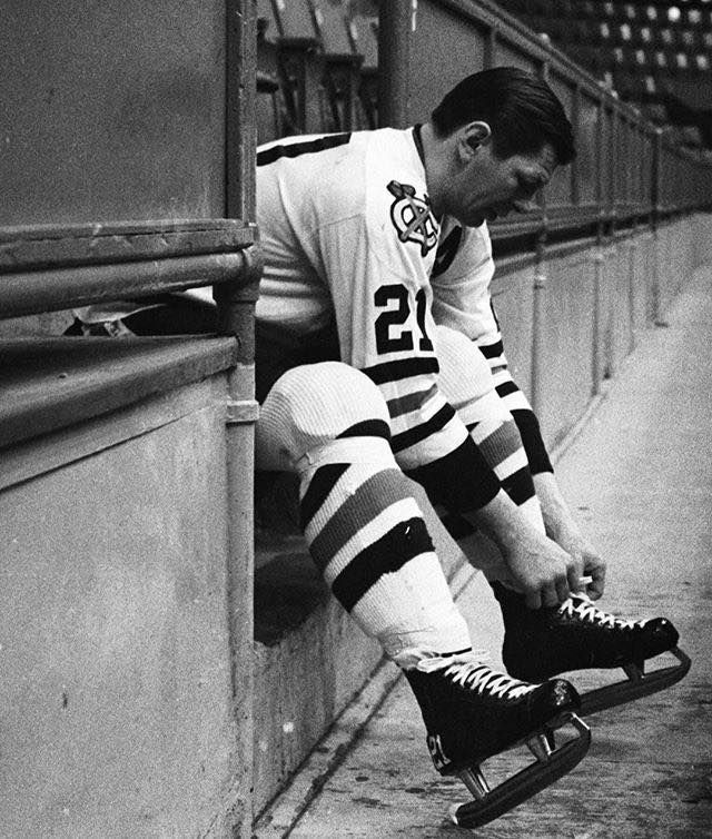 Stan Mikita, Chicago Black Hawks.