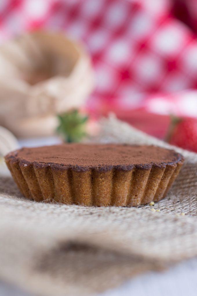 crostata senza glutine al miglio con cioccolato, crema al baobab e marmellata ai semi di chia, rabarbaro e fragole #vegan #glutenfree