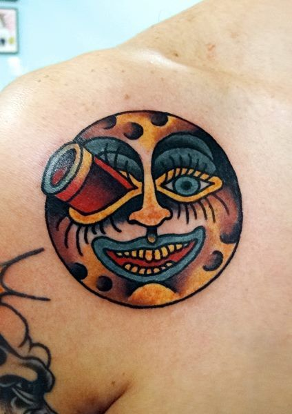 8 best tattoo traditional skull images on pinterest for Traditional moon tattoo