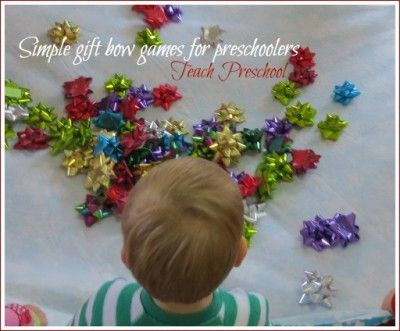 Need something simple and fun (and even last minute) to do for holiday fun?  Here are two simple gift bow games for preschoolers to enjoy!