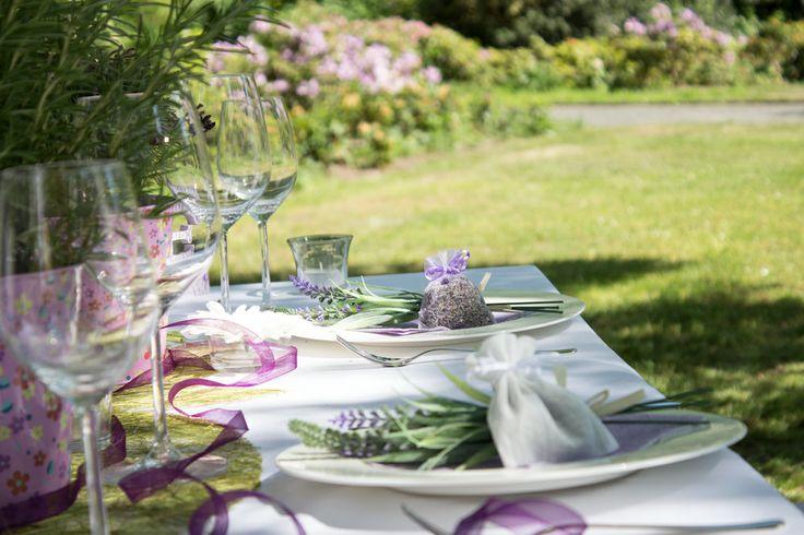 1000 ideen zu lavendelbl ten auf pinterest lavendel. Black Bedroom Furniture Sets. Home Design Ideas