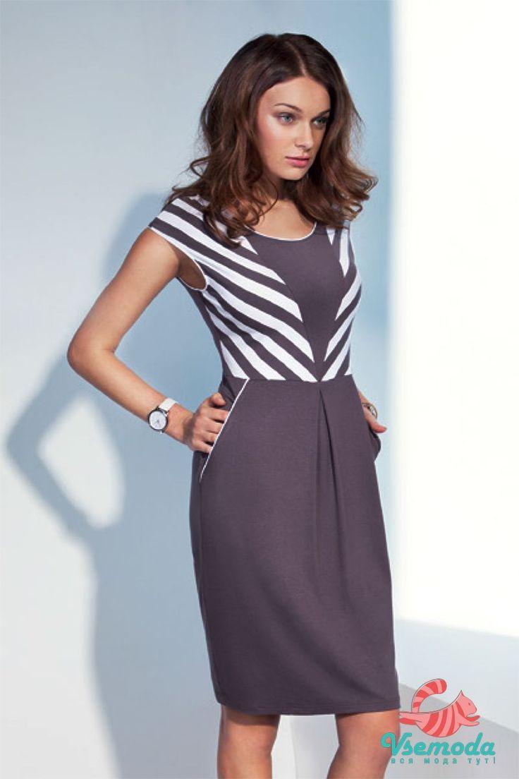 Платье NS76-2 Фирма производитель: Sunwear Страна производитель: Польша Артикул: NS76-2 Размер: 44-54 Состав: 95% вискоза, 5% эластан