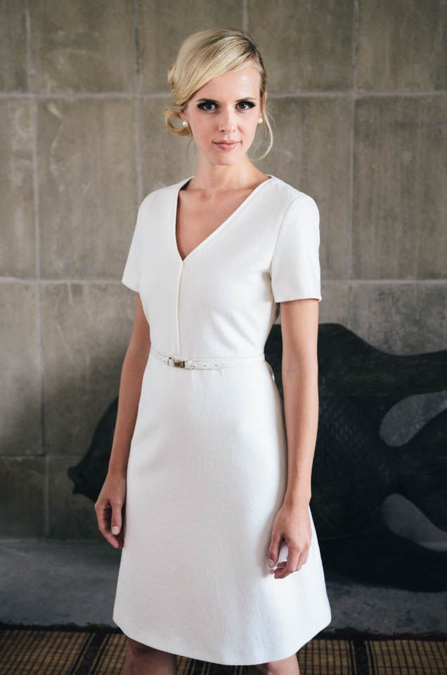 13 best Moderne Brautkleider urban clean images on Pinterest ...