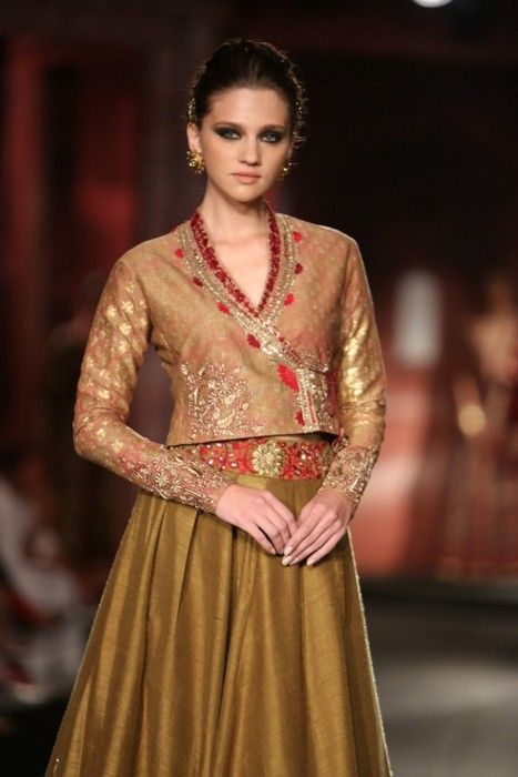 Anju Modia India Couture Week #wedmegood