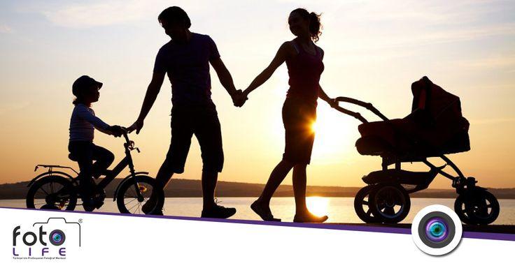 Zamanla yarışan tek şey; fotoğraflar… Aile albümleriniz yıllara dirensin… Aile Fotoğrafçılığı! http://www.fotolife.com.tr/aile-fotografciligi.html #ailefotoğrafçılığı #ailefotoğrafçekimi #fotolife