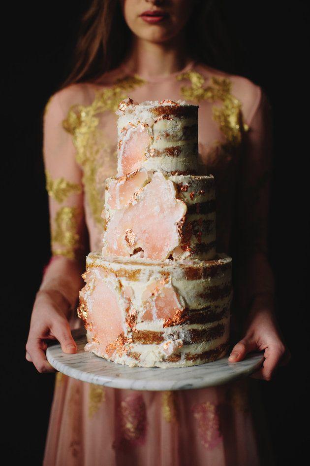 Proof That Geode Cakes Are The Crown Jewel Of All Wedding Trends #geodecake #weddingcake #wedding #ohmycake #azentortam #rosequartz #edibleart