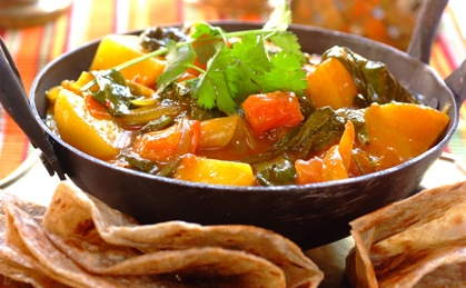 Spinach and Potato Curry:  Hotpot, Dinners Time, Vegetables Curries, Vegetables Recipe, Curries Recipe, Breads Loaf, Indian Curries, Bunnies Chow, Potatoes Curries
