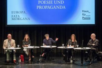 18. poesiefestival berlin: Europa_ Fata Morgana -Podiumsdiskussion: Poesie und Propaganda - Philippe-Joseph Salazar, Ulrich Krechel, Eva Geulen, Paula Diehl und Joseph Vogl (c) gezett #poesiefestival