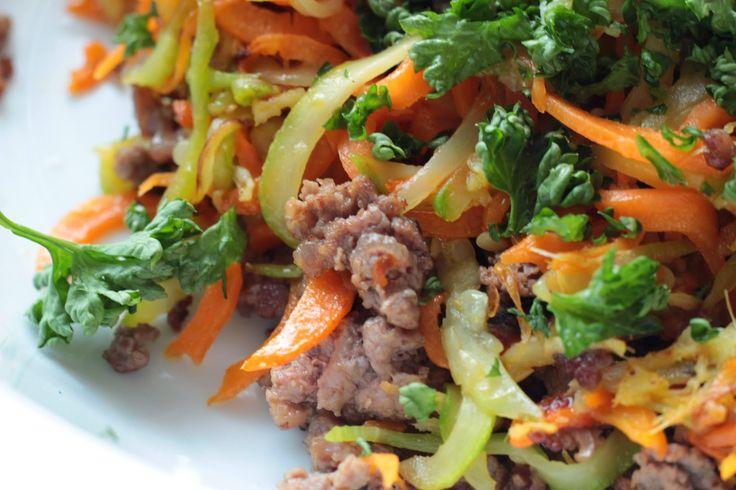 Veselé Borůvky: Zeleninové nudle s mletým hovězím