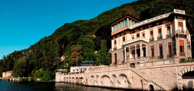 Wouldn't you love to stay in this #spectacular #place? #LakeComo