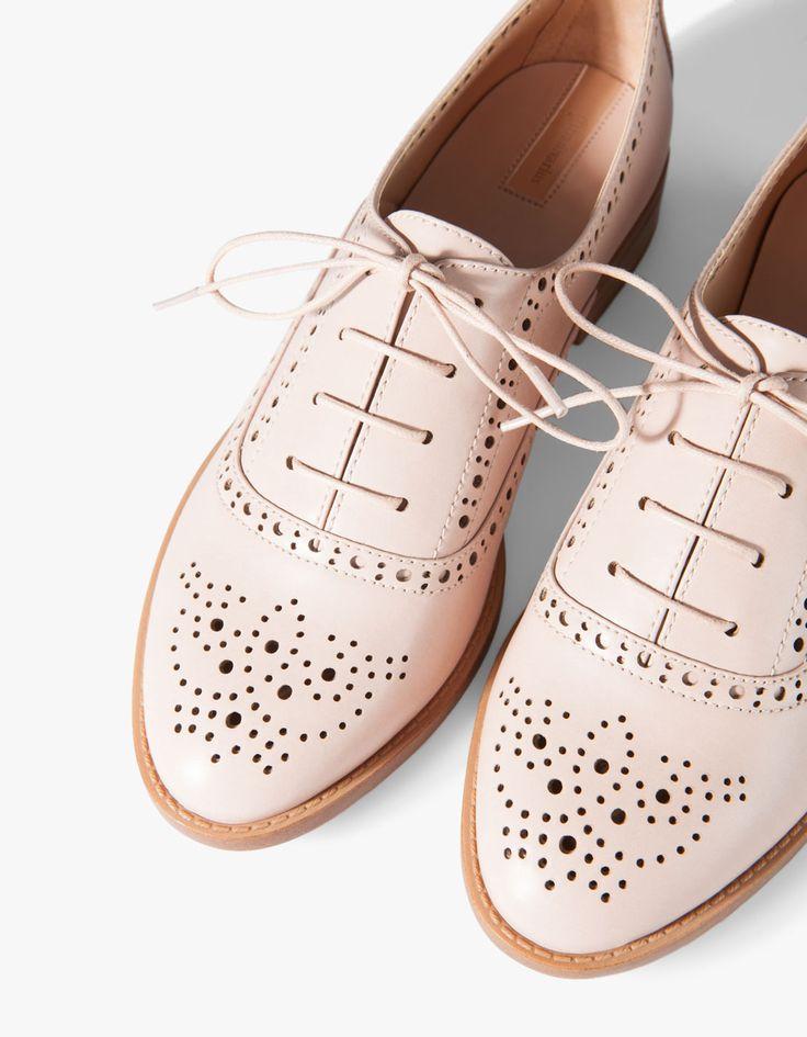 Stradivarius Sapatos blucher Picados