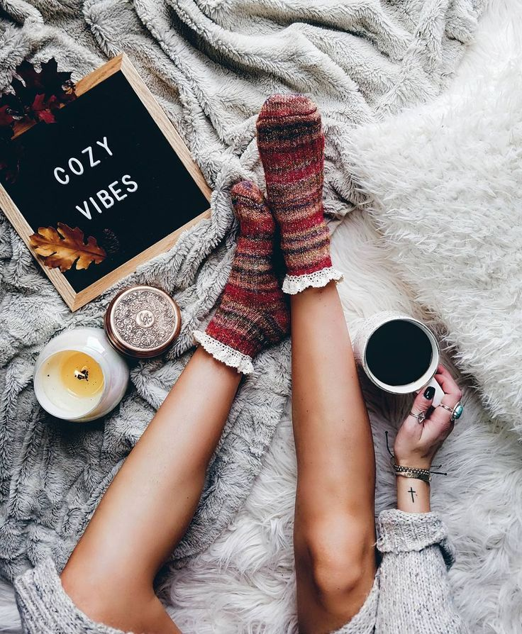"4,801 Likes, 87 Comments - Caitie (@ktnewms) on Instagram: ""Cozy Vibes. Always. ✌"""