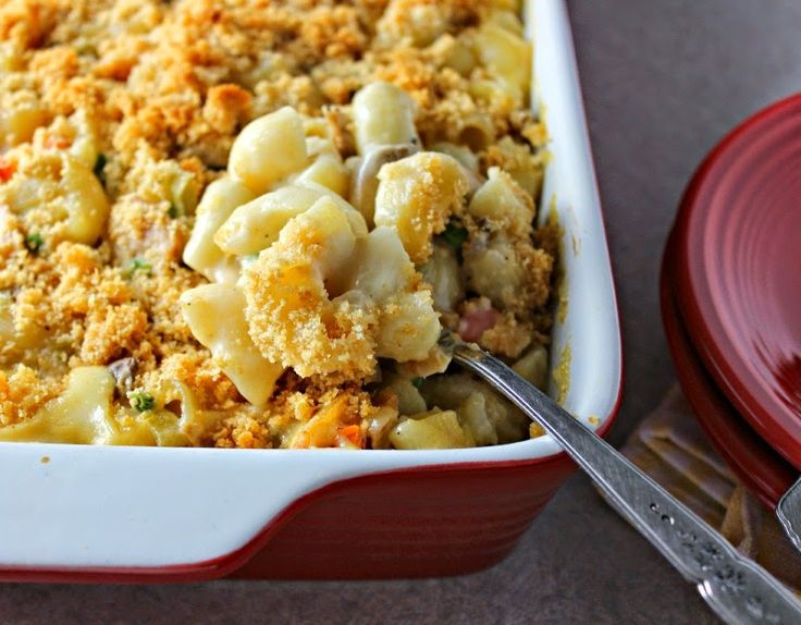 Renee's Kitchen Adventures: Lighter Cheesy Tuna Noodle Casserole (without canned cream soup)  #tuna #casserole