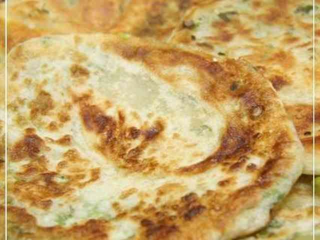HBで台湾屋台料理★葱たっぷりの葱油餅の画像
