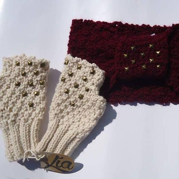 white and red 100% hand craft #gloves #bandana #handcraft #knit #yorn