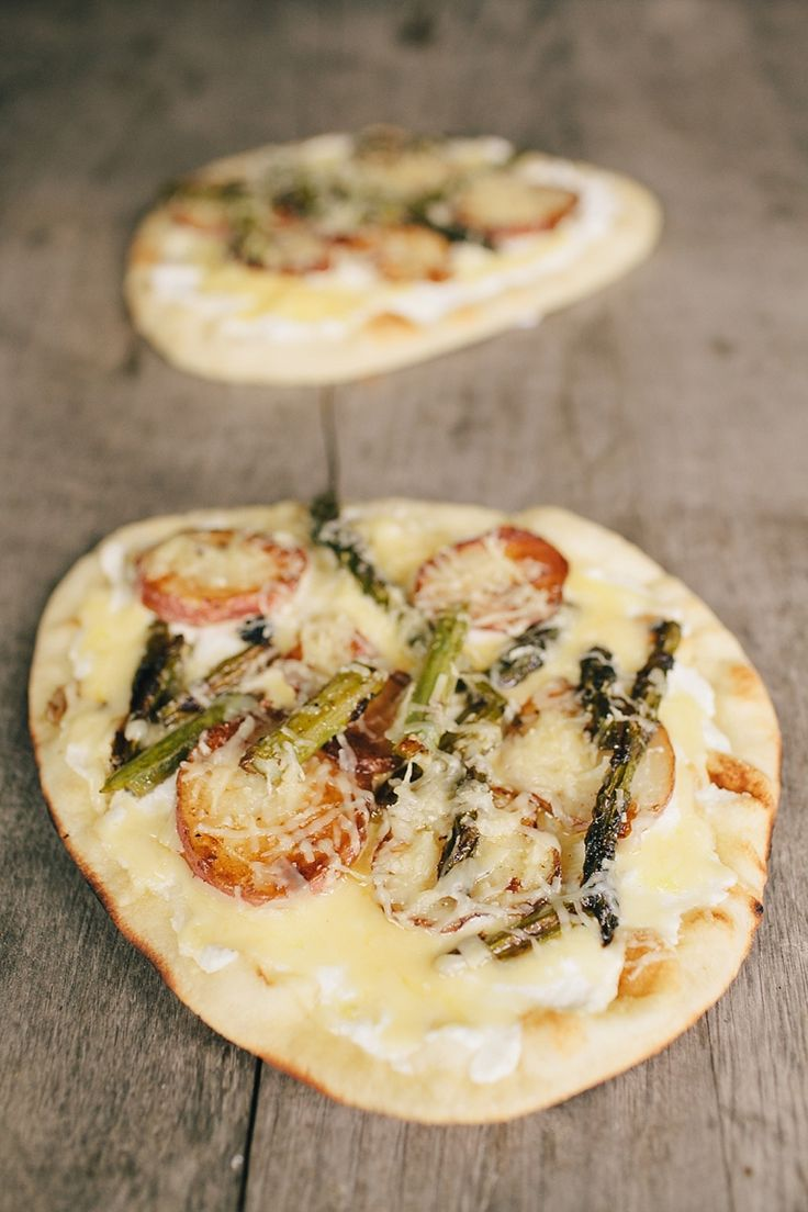 Asparagus pizza, Asparagus and Nice photos on Pinterest