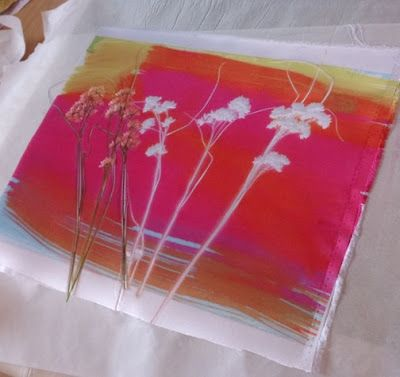 Kim's Hot Textiles: Dried flowers used as a resist. The flowers were then turned over and printed ( http://pinterest.com/pin/109634572151756410/ )