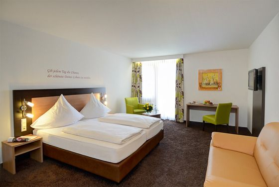 Gästezimmer im Wellness Gästehaus von Hotel Waldachtal im Schwarzwald.