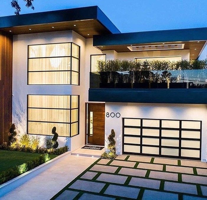 Luxury Mansions On Instagram Spectacular Contemporary Home Designed And Built By Ramtin Ray Nosrati In 2020 Contemporary House Design Townhouse Exterior Mansions