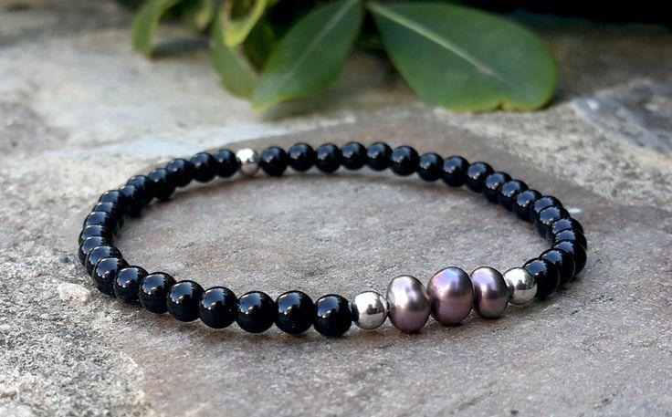 Pearl Bracelet, Minimalist Small Beaded Bracelet, Black Onyx Gemstone Jewelry, Mens Womens Tiny Stone Bracelet, Simple Beautiful Gift Idea