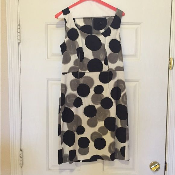 Ann Taylor Dress Omg this dress is perfect for day or evening wear!  It's just to tight on me.  It's fitted but has some give to it.  I have enjoyed it but want to share with some one small enough to wear it!  Looks brand new!   Ann Taylor Dresses Midi