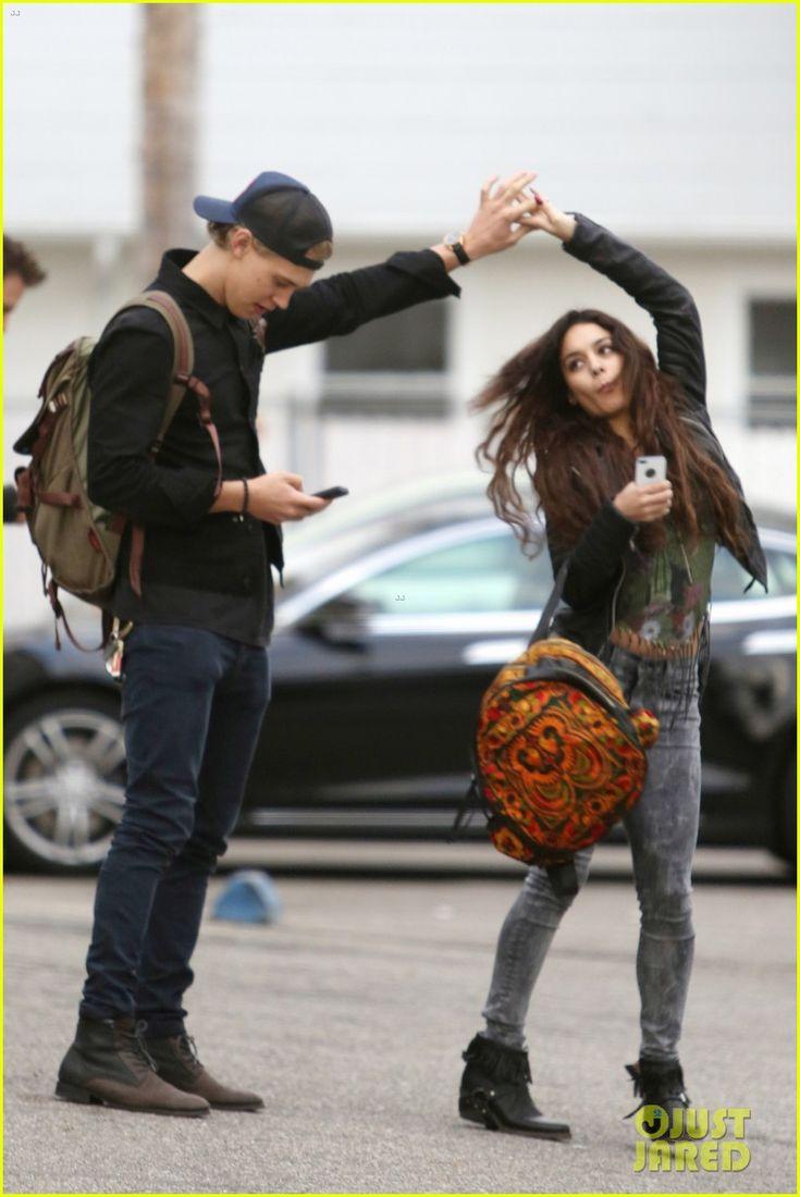 vanessa hudgens amp austin butler dance amp take silly selfies
