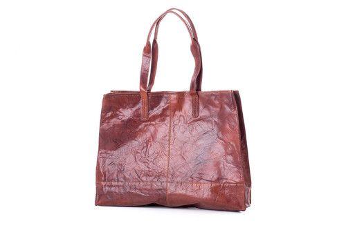 TORBA BIG SHOPPER TREATS KONIAK IL280521-A0199-220 Shopper ze skóry firmyTreats w kolorze koniakowym, zapinany na suwak, prosty skandynawski design, pięknie woskowana skóra naturalna. #shopper #Treats #multicase #bigbag #shopperbag #bag #bagbeforechocolate #leatherbags #oryginal #leather #AW2015 #style #scandinaviandesign #fashion #musthave