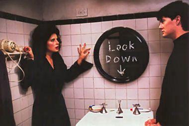 mainlymovies: #7: Blue Velvet (David Lynch, 1986)