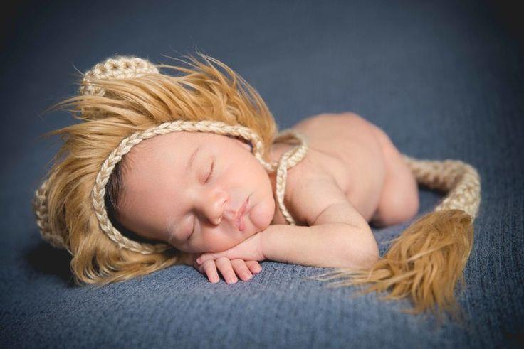 Ricardo & Angela Photography | Newborn Photos Mason baby Lion
