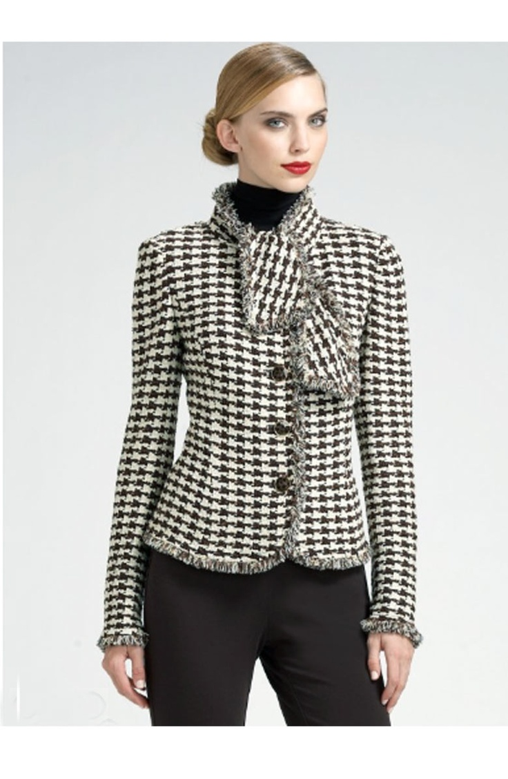 For your consideration is a lovely Jones New York zip front jacket. Light burgundy red and light tan houndstooth print. Zip front. No pockets. 70% wool, 20% nylon, 10% alpaca.