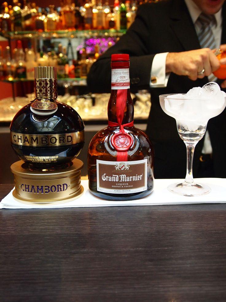 Cocktail with Chambord and Grand Marnier http://www.ghbordeaux.com/maj/pdf/pdf/VB/CARTE_BOISNOUR_Printemps_20_03_2013.pdf