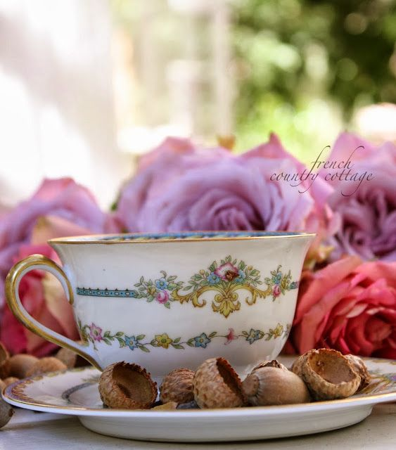 FRENCH COUNTRY COTTAGE: Vintage teacups