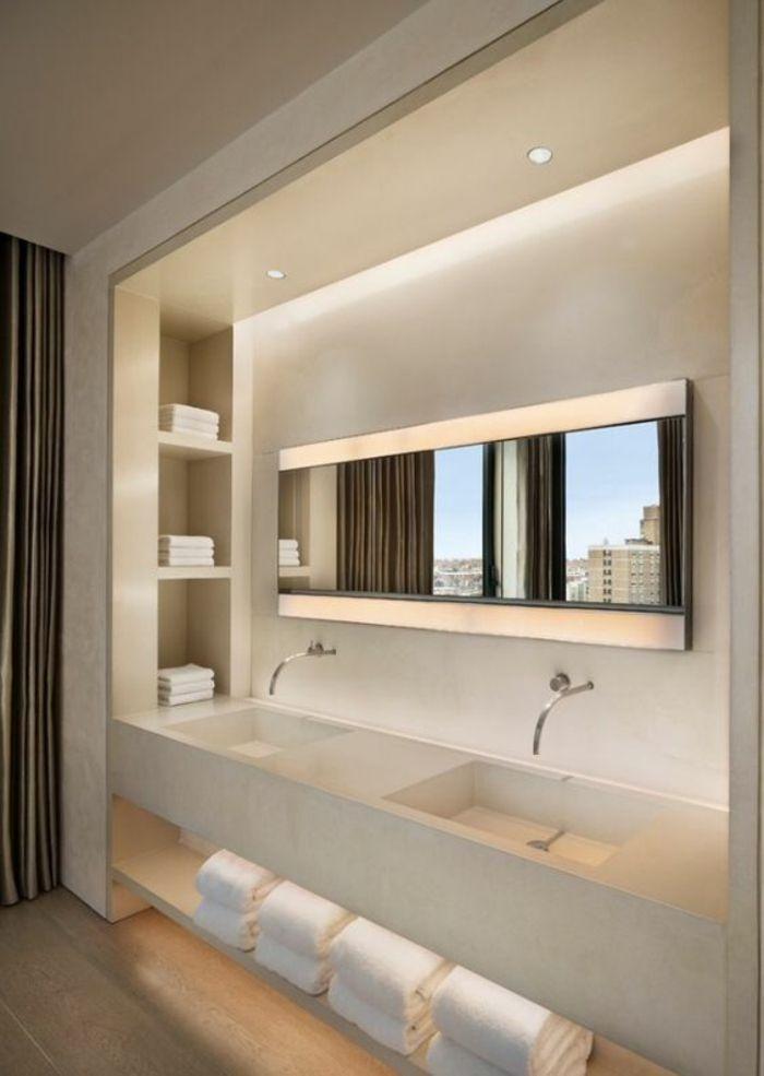 miroirs salle de bain lumineux avec des étagères pour les serviettes, deux leds et deux lavabos